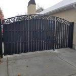 Oak Pattern Privacy Iron Gate